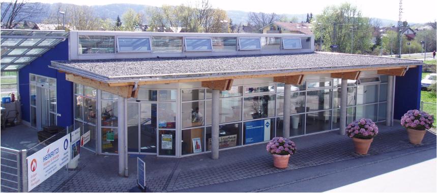 Unser Firmengebäude am Bruckmühler Bahnhof
