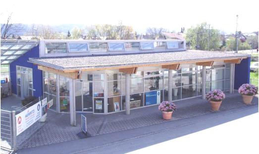 Der neue Firmensitz von HEINRITZI Wärme & Energie - das ehemalige Verkaufsgewächshaus. Aufnahme von 2016.
